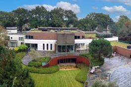 Een van de duurste villa's van Nederland staat nu te koop in Uden