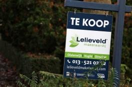Huizenprijzen stijgen explosief doordat er veel minder te koop staat