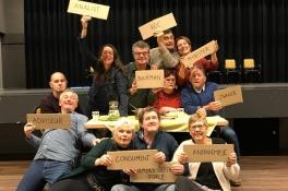 'Iets met boeren' vertaalt de problemen van de boeren naar het theaterpodium