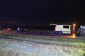Ernstig ongeluk met bestelbusjes en auto in Beek en Donk, zeker één zwaargewonde