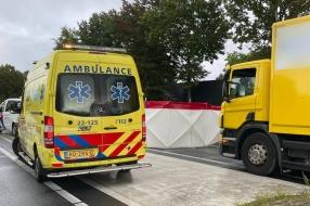 Fietser overleden door botsing met vrachtwagen in Gemert