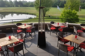 Golfbanen weten niet of het terras open mag: 'Zit de hele dag op uitkijk'