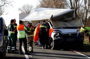 Zwaar ongeluk op de N279: weg dicht, vier gewonden